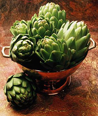artichokes in a bowl